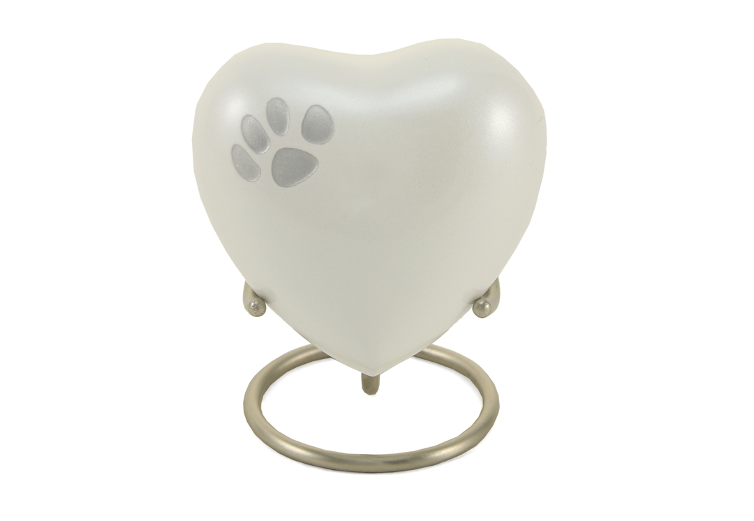 Keepsake Heart - Odyssey Single Paw Pearl Image